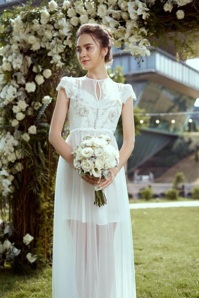 Rosa Lace Dress