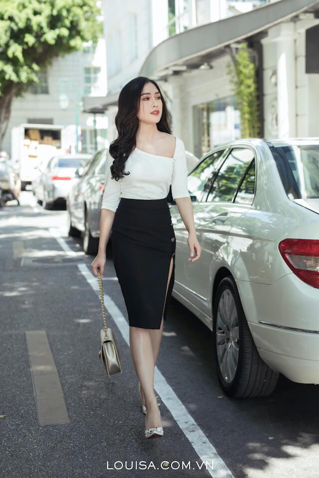 Diviate Neck Skirt